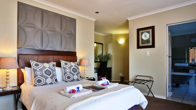 at Plattekloof Premium Lodge | TravelGround