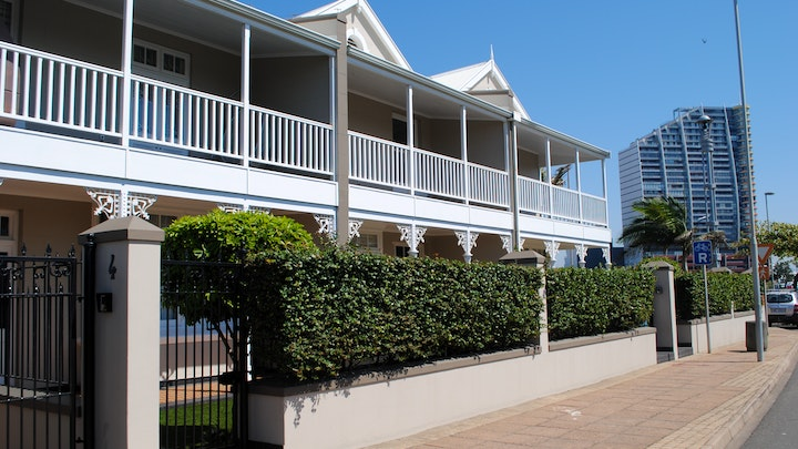 Point Waterfront Accommodation at Dock Point Unit 1   TravelGround