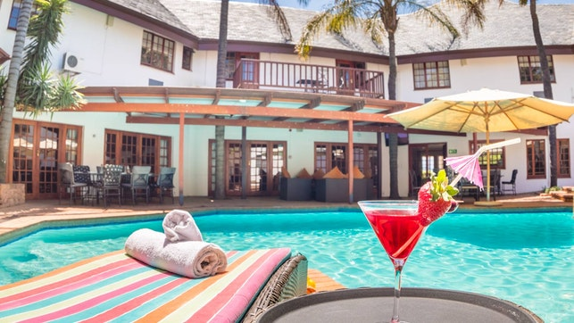 by The Constantia Hotel | LekkeSlaap