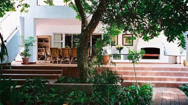 by Melrose Place Guest Lodge | LekkeSlaap