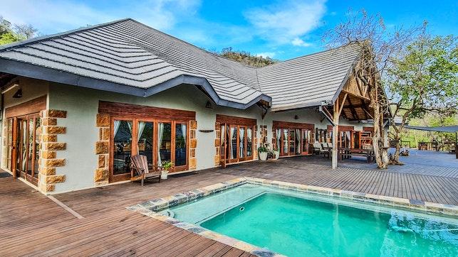 at Ikhwezi Game Lodge   TravelGround