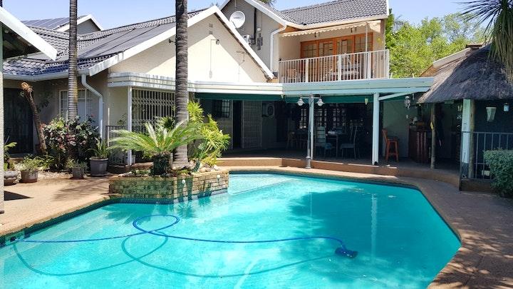 Randpark Ridge Accommodation at Whara Whara Guesthouse | TravelGround