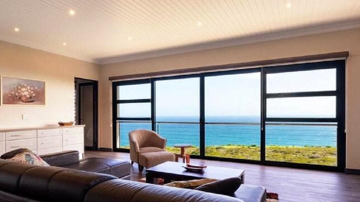 by Pinnacle Point Golf Estate - Eastwood Drive 79   LekkeSlaap