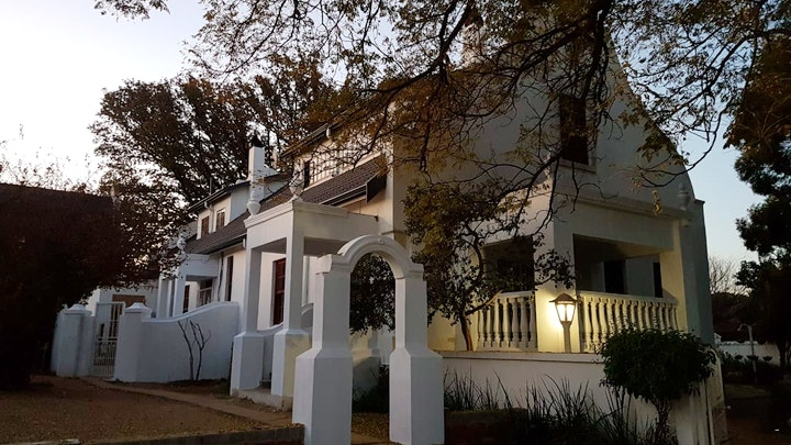 Heidelberg Accommodation at Oak View Manor | TravelGround