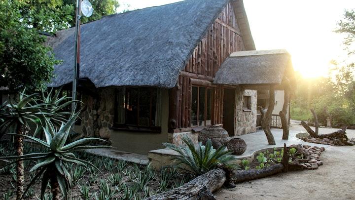 by Umkumbe Bush Lodge | LekkeSlaap