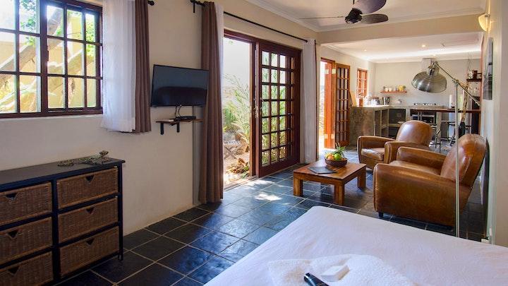 by Villa La Mercy Guest Suite and Chalet   LekkeSlaap