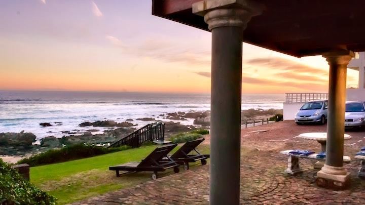 Clarendon Marine Accommodation at 16 Beach Music | TravelGround