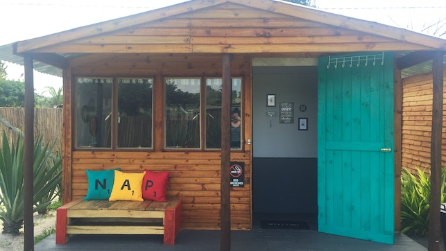 at Magicseaweed Backpackers and Travellers Inn   TravelGround