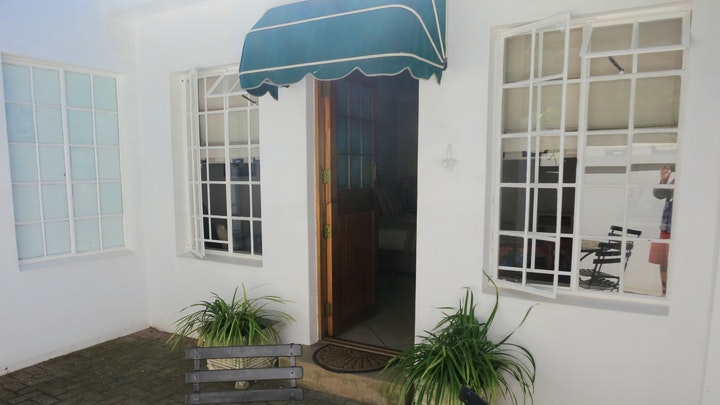 Summerstrand Accommodation at StayOnThird | TravelGround