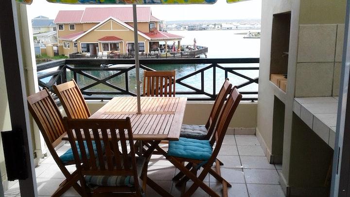 Astonbaai Akkommodasie by 23 Jamaican Palms | LekkeSlaap