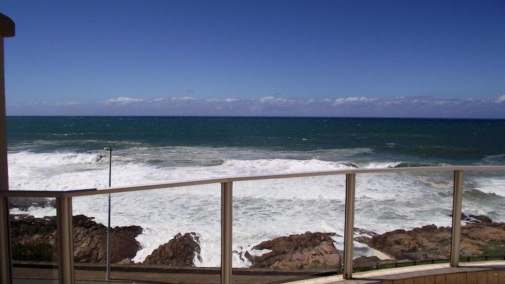 Margate Beach Akkommodasie by Santorini Unit J   LekkeSlaap
