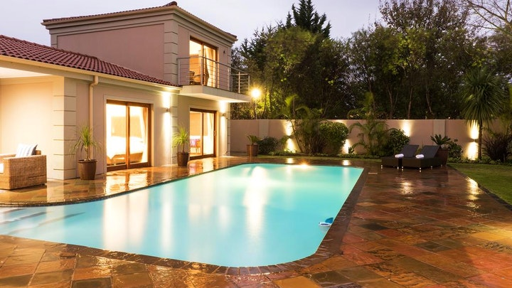 at Lord Caledon Guest House | TravelGround