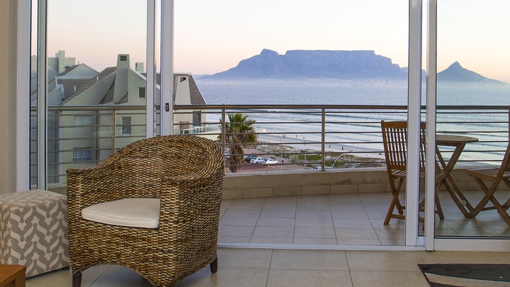 Table View Accommodation at Portico Apartment | TravelGround