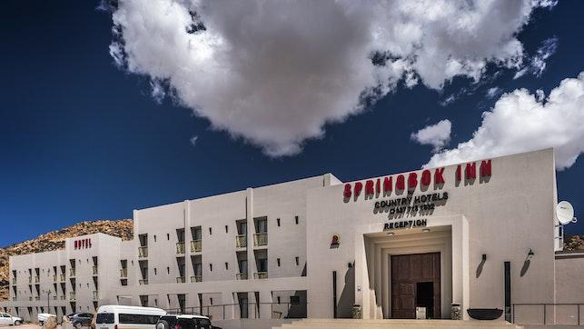 by Springbok Inn | LekkeSlaap
