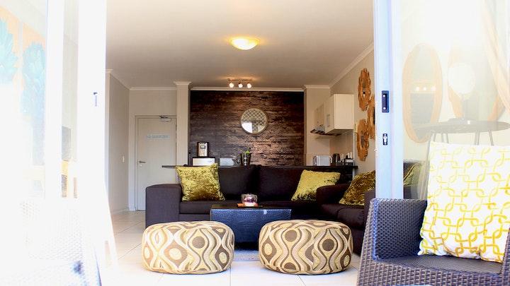 Muizenberg Akkommodasie by Sunlit Apartment | LekkeSlaap