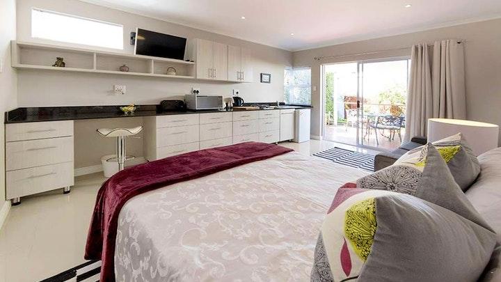 Richmond Hill Accommodation at B's Place | TravelGround