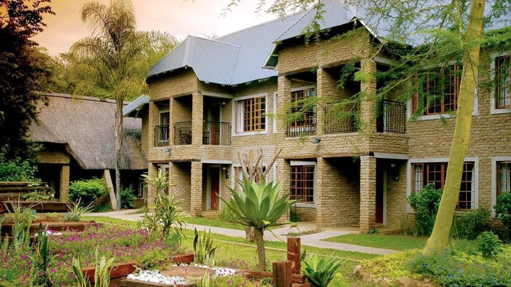 by Hippo Hollow Country Estate   LekkeSlaap