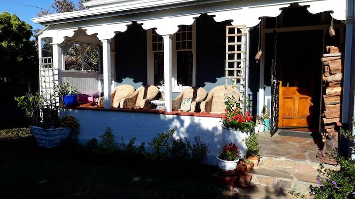 Suidelike Voorstede Akkommodasie by Fir-Lea Guest Room | LekkeSlaap