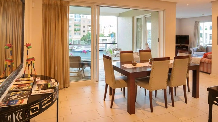 V & A Waterfront Akkommodasie by Luxurious Secure V&A Waterfront Apartment | LekkeSlaap