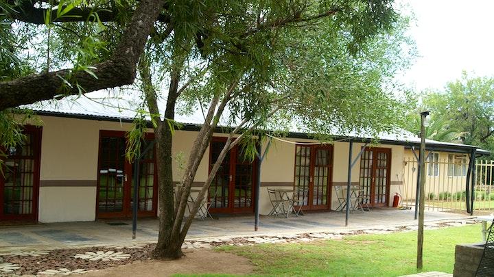 Bloemfontein Akkommodasie by Akwela Guest Farm | LekkeSlaap