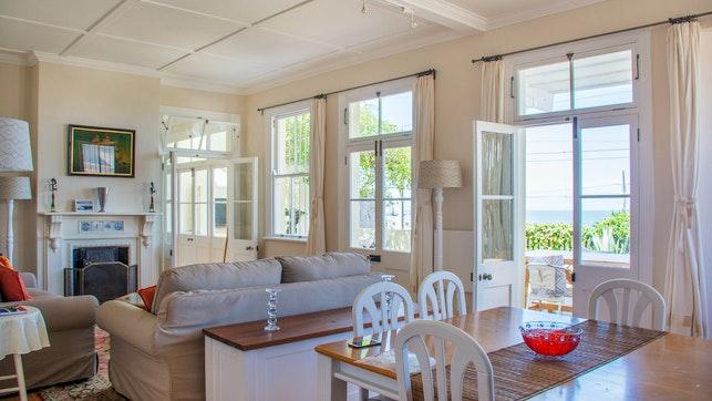 by Fintimara Beach House | LekkeSlaap