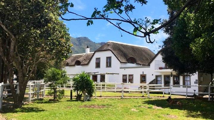 Noordhoek Akkommodasie by Noordhoek Paddocks Farmhouse | LekkeSlaap