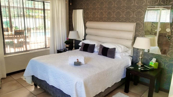 Waverley Accommodation at La Dolce Vita | TravelGround