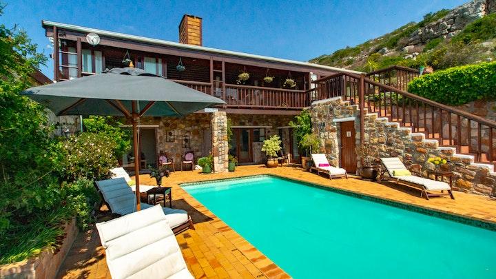 Cape Town Accommodation at Makapa Lodge | TravelGround