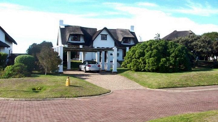St. Francisbaai Akkommodasie by 18 Riverglades Estate   LekkeSlaap