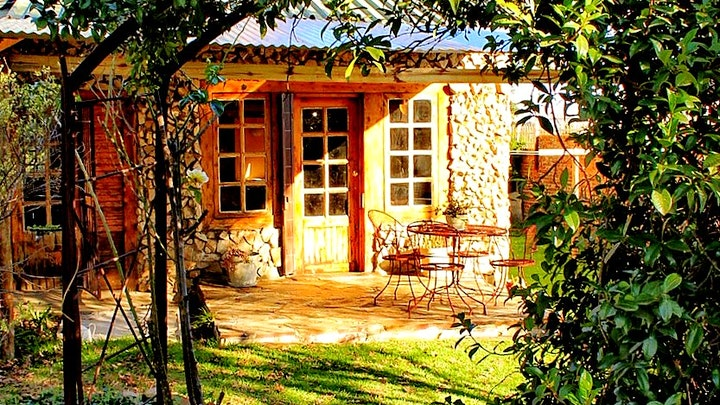 Ermelo Akkommodasie by Stonehill Cottage | LekkeSlaap