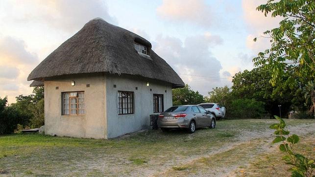 at Lunamanzi Lodge   TravelGround