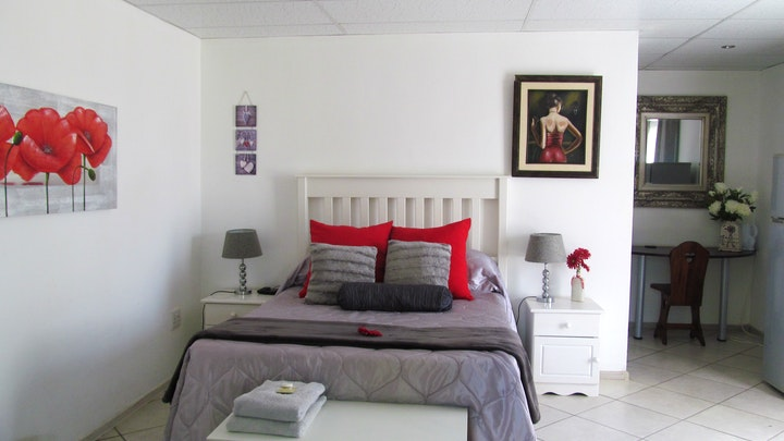 Roosville Accommodation at Pumba's B&B | TravelGround