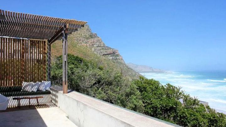 Misty Cliffs Accommodation at Old Camp Road Hillside Home | TravelGround