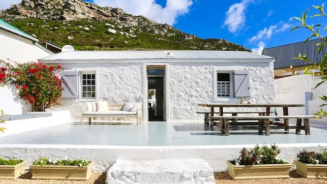 by Kalk Bay Cottage, Old Fisherman's Home   LekkeSlaap