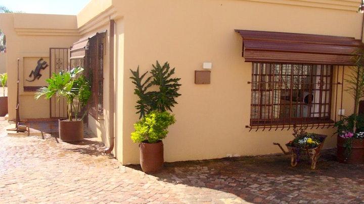 by 440 Flowers Street Guest House | LekkeSlaap