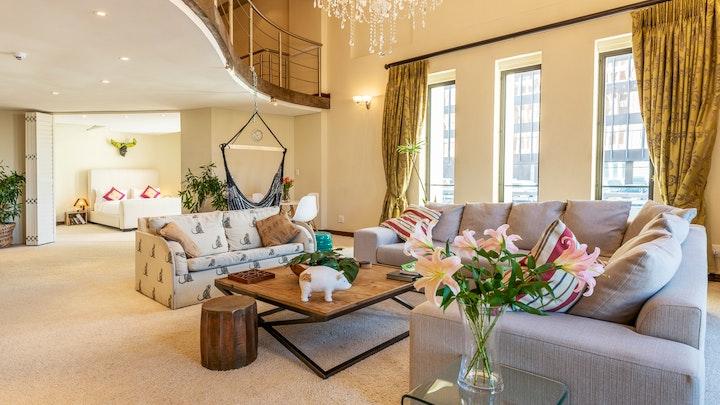 Kaapstad Middestad Akkommodasie by Uber Luxurious NYC-Style Penthouse | LekkeSlaap