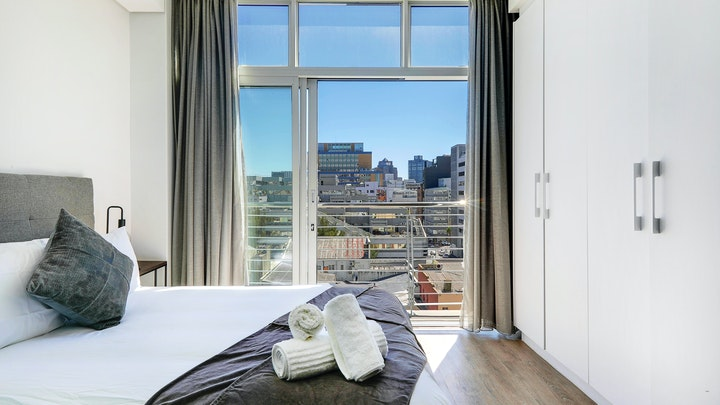by Panoramic City View Apartment | LekkeSlaap