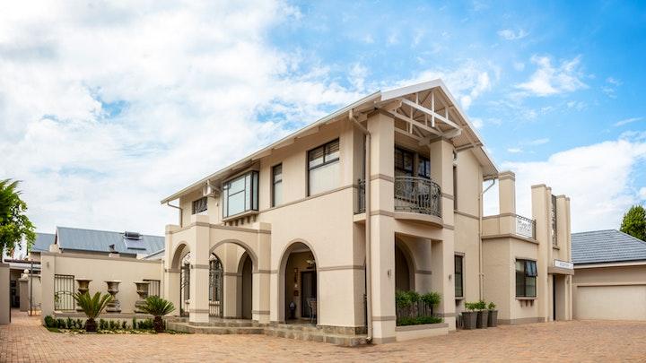 Sentraal Potchefstroom Akkommodasie by Adato Guest House | LekkeSlaap
