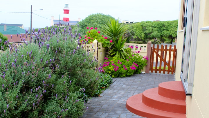 L'Agulhas Accommodation at À La Mer | TravelGround