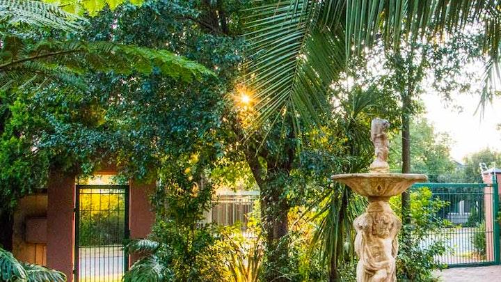 Lyttelton Manor Akkommodasie by Rozendal Guest House | LekkeSlaap