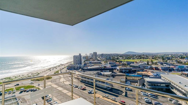 Table View Accommodation at Horizon Bay Luxury Apartment | TravelGround