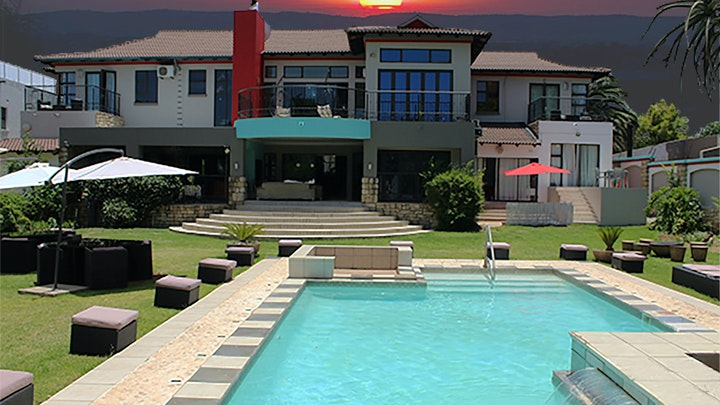by Africa Paradise - OR Tambo Airport Guest Lodge | LekkeSlaap