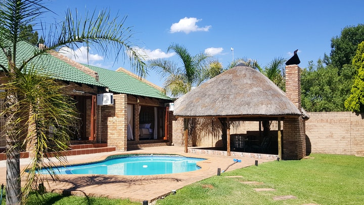 by Twins Self-Catering Accommodation | LekkeSlaap