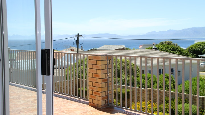 De Kelders Accommodation at Forty Winks Holiday Home | TravelGround