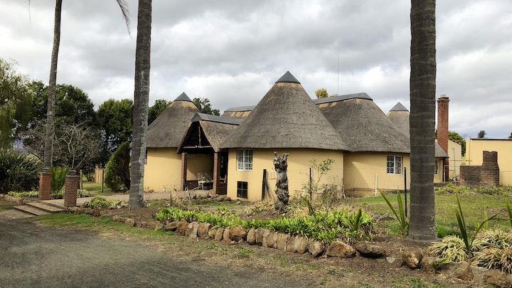 Suidelike Drakensberge Akkommodasie by Khalafukwe Country Lodge | LekkeSlaap