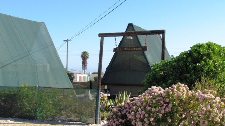 Hondeklipbaai Accommodation at Skulpieskraal Tented Camp and Rooi Spinnekop Restaurant | TravelGround