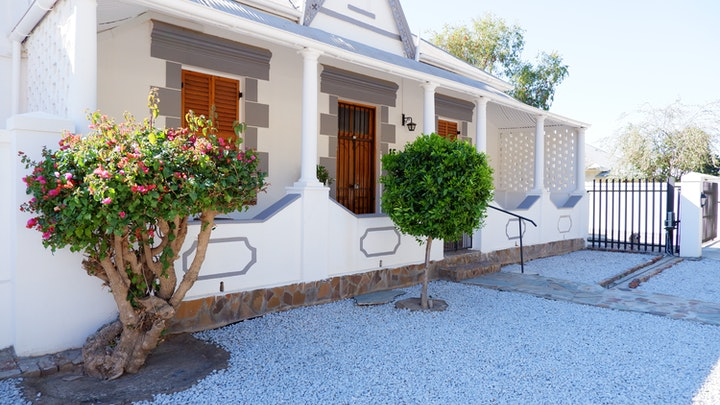 Graaff-Reinet Accommodation at Aloe Cottage | TravelGround