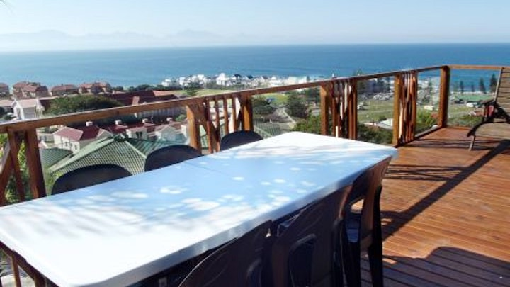 Mossel Bay Accommodation at Lighthouse Lodge | TravelGround