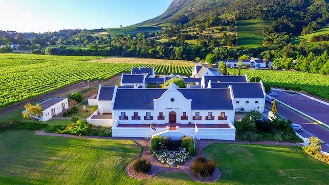 by Zorgvliet Wines Country Lodge   LekkeSlaap