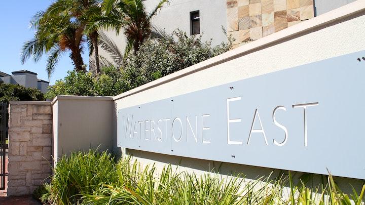 Century City Akkommodasie by 101 Waterstone East | LekkeSlaap